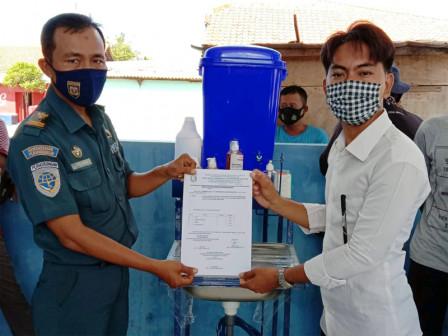 Thousand Islands Parekraf Distributes Hand Hygiene Facilities