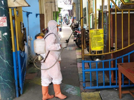 Residential Areas in Pademangan Timur Sprayed with Disinfectant