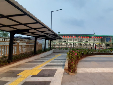 Transjakarta Installs Canopy and Wayfinding Signs at Pasar Senen Station's Transit Hub