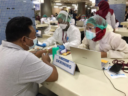 30 Tim Vaksinator Dikerahkan Vaksin Pedagang Pasar Tanah Abang