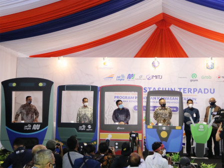 Anies Inaugurates 4 Integrated Stations as Intermodal Transportation in Jakarta