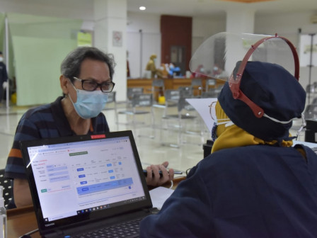 8,000 Elderly People in West Jakarta Received COVID-19 Vaccination