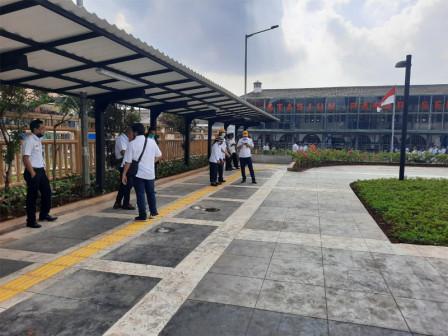 Pemprov DKI Uji Coba Penataan Stasiun Pasar Senen
