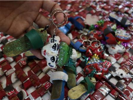 Harapan Jaya PSBK Turns Plastic Waste into Handmade Products