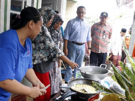 Anies Monitors Flood Handling on Jl. Lebak Bulus Dalam