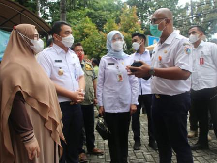 Kunjungi Puskesmas Setiabudi, Wagub Ariza Ajak Semua Pihak Tingkatkan Kepedulian Terhadap Nakes