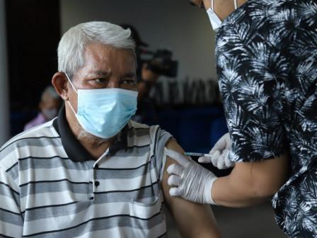 Vaksinasi COVID-19 Bagi Lansia di Semper Timur Capai 61 Persen