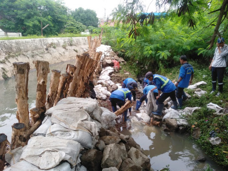Collapsed Pluis Embankment in Grogol Utara Repaired