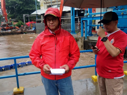 Anies Ensures to Handle Flood in Jakarta Optimally