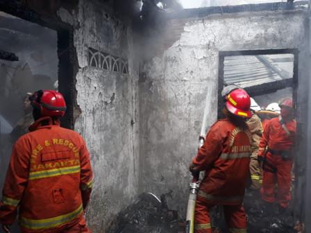 Sudin Gulkarmat Jaksel Berhasil Padamkan Kebakaran di Menteng Atas