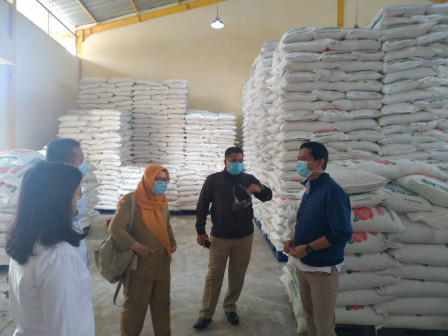 Ahead Christmas and New Year, Food Station Ensures Rice Stock Safe