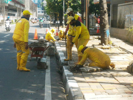 6,132 Damaged Sidewalk Points in South Jakarta Repaired