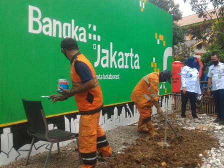 Sambut HUT Jakarta ke 494, Kelurahan Bangka Buat Mural