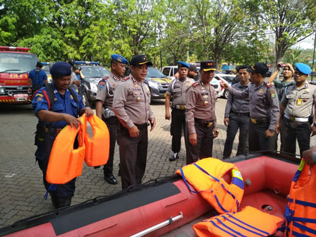 110 Joint Personnel Hold Preparation to Handle Disaster