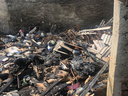 Empat Mobil Pemadam Atasi Kebakaran Ruko di Malakasari