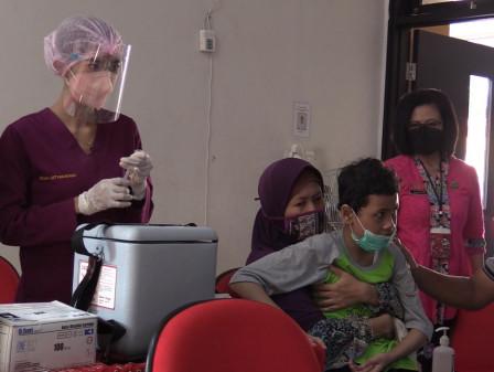 20 Siswa Berkebutuhan Khusus Ikut Serbuan Vaksinasi di SLB Negeri 9 Jakarta