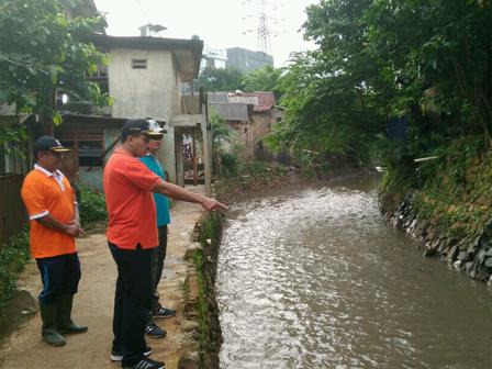 Warga Cililitan Meminta Pembangunan Saluran Air