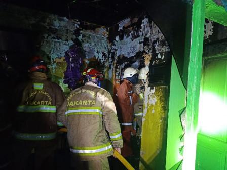 16 Mobil Pemadam Atasi Kebakaran di Kebon Nanas