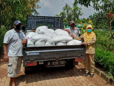 KPKP Distributes 1,050 Kilograms Rice Seeds for Free