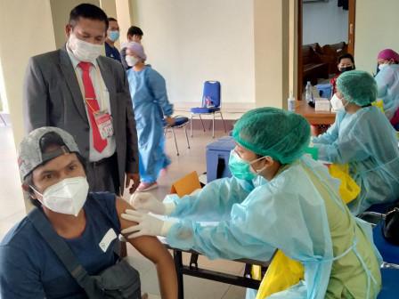 Serbuan Vaksin di Gereja HKI Cililitan Target 250 Warga