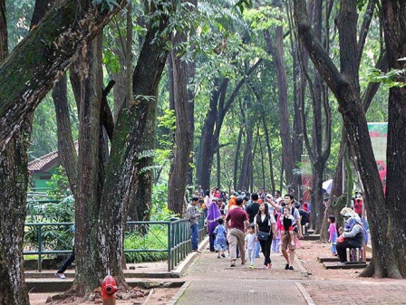 Ragunan Zoo Provides More Ticket Counters on Christmas Holidays