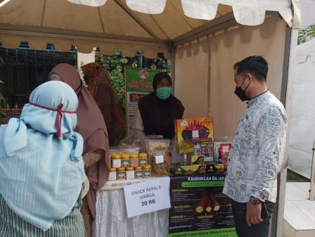 30 SMEs Enliven Ramadan Bazaar in Matraman