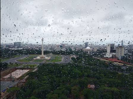 Light Moderate Rain will Fall in Jakarta From Afternoon, BMKG Says