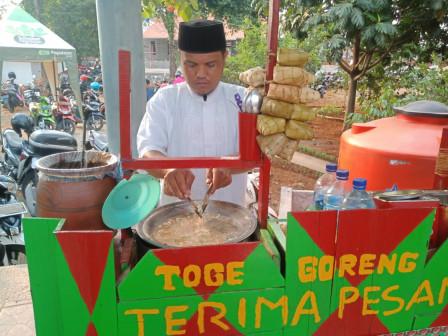 Pedagang Kuliner Alami Kenaikan Omzet di Milad ke-19 Betawi