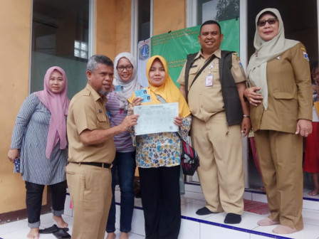 Sudin Dukcapil Jakbar Terbitkan 2.109 Dokumen Pasca Banjir