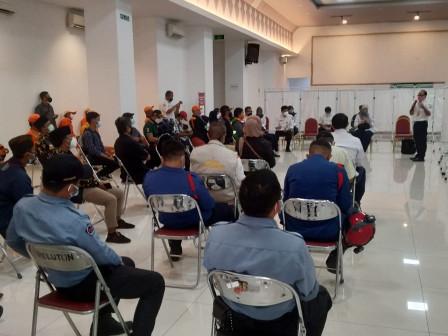 40 Relawan Diberikan Pelatihan Penanganan Pasien OTG COVID di GOR Matraman