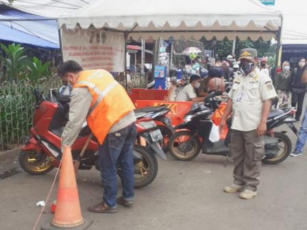29 Pelanggar Tibmask Ditertibkan di Pasar Minggu
