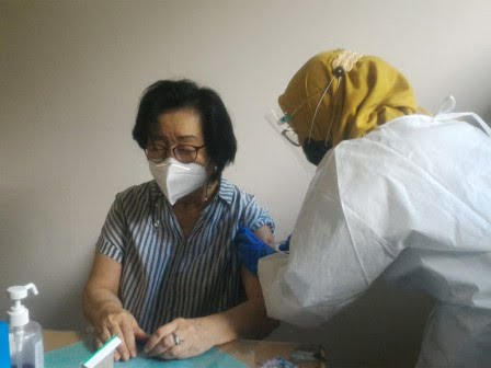 COVID-19, 100,635 Seniors in Central Jakarta Vaccinated