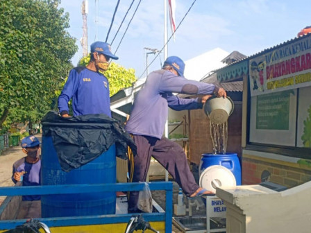 Water for Handwashing Facilities on Untung Jawa Island Continuously Supplied