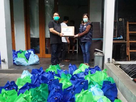 Again, Sarana Jaya Distributes Social Aid to the Needy Amid COVID-19 Outbreak