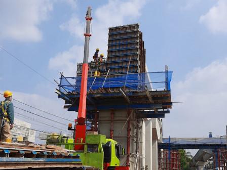 Tanjung Barat and Lenteng Agung Flyovers Development Has Reached 60 Percent