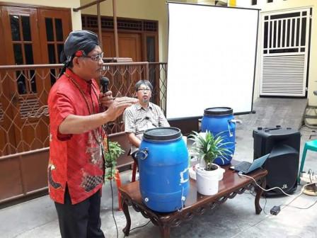 RB Sutarno, Resident of Sunter Jaya Develops a Waste Management Program