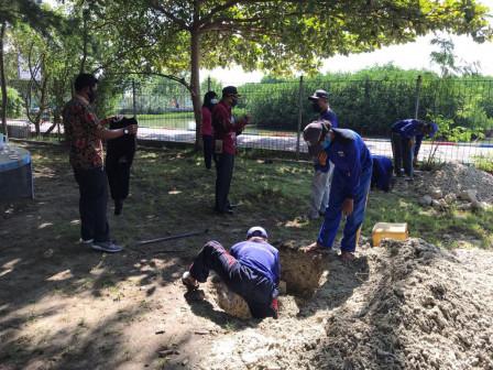 10 Sumur Resapan Dibangun di Area RPTRA Nyiur Melambai
