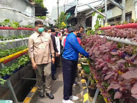 Let's Take a Look at the Healthy Village of RW 06 Utan Kayu Selatan!