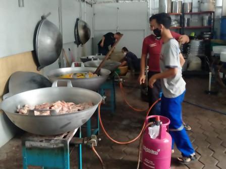 Sudinsos Jaktim Siapkan 3.150 Boks Makanan untuk Warga yang Isoman