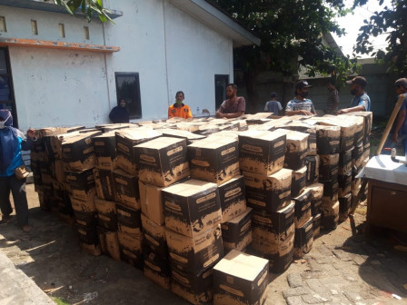 Tidung Island Urban Village Residents Receive the 9th Bansos Package