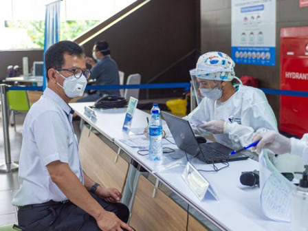 Karyawan PT MRT Jakarta (Perseroda) Divaksin COVID-19 Dosis Pertama