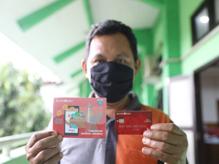 Wakil Walkot Jakut Tinjau Pendistribusian BST di SMKN 12 Jakarta