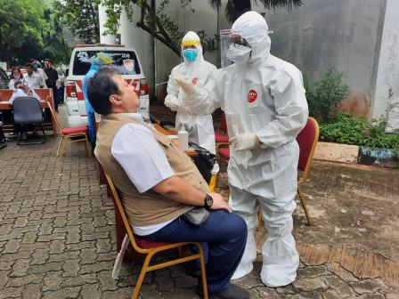Pejabat, ASN dan PJLP di Kantor Kabupaten Kepulauan Seribu Mengikuti Rapid Tes