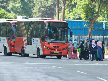 PT Transjakarta Kembali Fasilitasi Transportasi Peserta Serbuan Vaksinasi di SUGBK