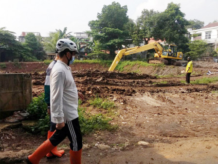 Early December, Dredging Process of Embung in Kemang Selatan XII Completed