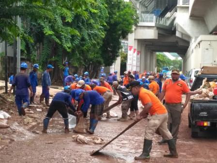 Jl. Raya Kayu Putih Cleaned Up After Flood