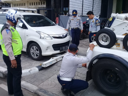 In June, 448 Vehicles Netted in Central Jakarta Due to Illegal Parking