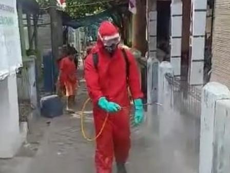 Permukiman Warga di RW 01 Pulau Harapan Didisinfektan
