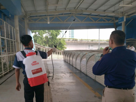 Disinfectants Spraying in Tanah Abang JPM to Contain COVID-19 Spread