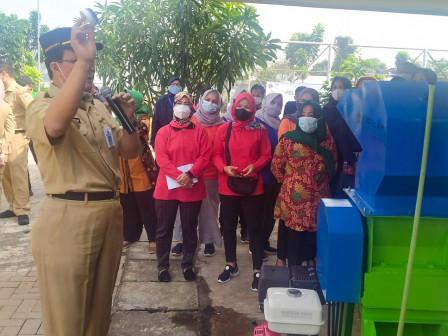 18 Peserta Pelatihan Urban Pilah Sampah di RPTRA Garuda Cilangkap